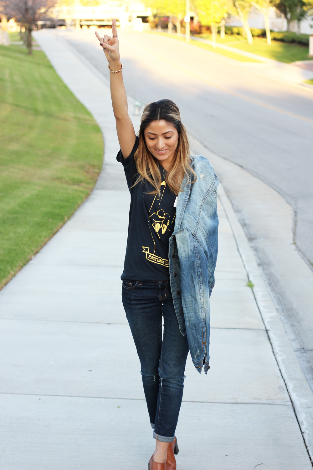 Reckless Livin LA Clique, OOTD, Outfit, Coachella, Weekend, Friday, Casual, Denim, Tee, Street Style, Trending