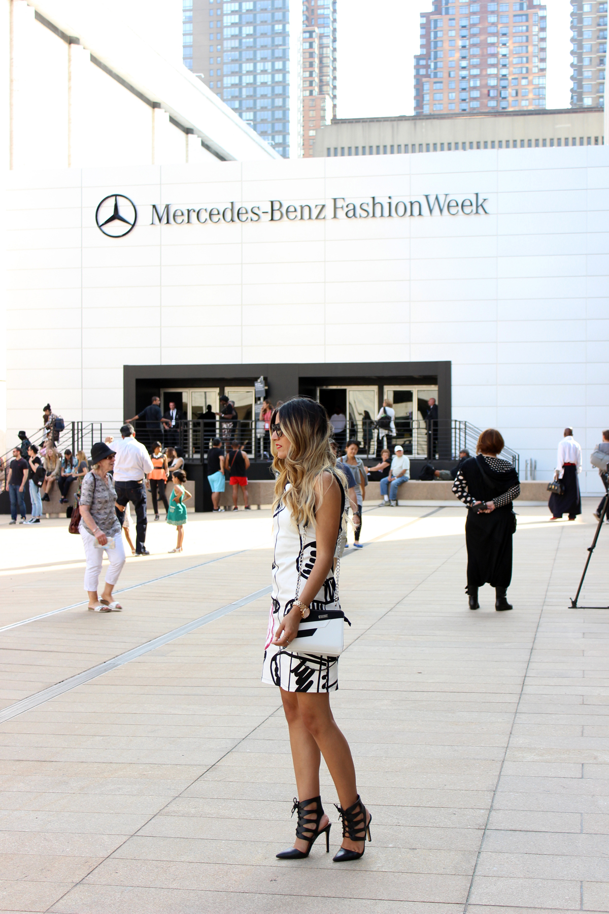 NYFW, MBFW, Mercedes Benz Fashion Week, Melrodstyle, Streetstyle, Desigual, Jessica Simpson, Blogger, Who What Wear, New York, Miche