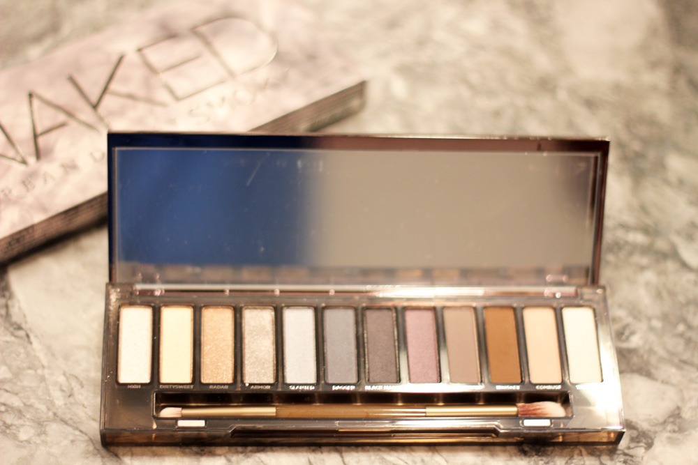 urban decay naked smoky, beauty, cosmetics, conde nast, melrodstyle, blogger, latina blogger, mexican blogger, la blogger