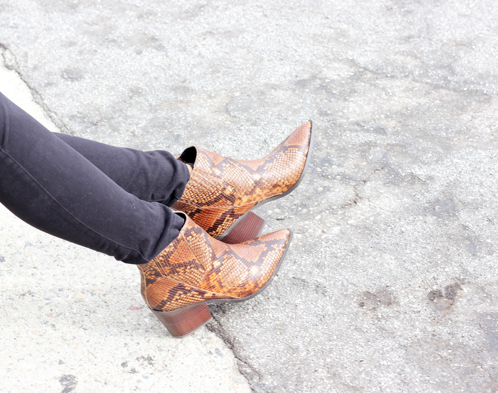 snakeskin print, boot, aldo shoes, melrodstyle, ootd, street style, ymi jeans, denim, jeans, fall, stylelist, refinery 29, who what wear, casual, latina blogger, mexican blogger, la blogger