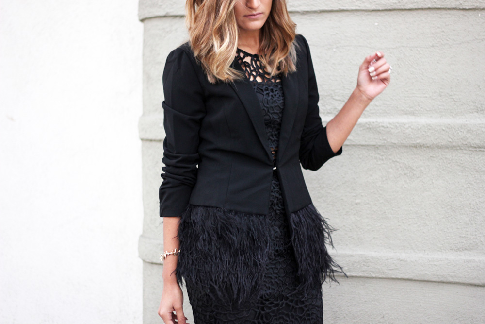 blazer, lucy paris, feathers, two piece, dress, skirt, crop top, heels, classic, basic, ootd, inspiration, street style, la blogger, bloggers, latina blogger, mexican blogger, aldo, boots, fall, refinery 29, who what wear, stylelist, outfit