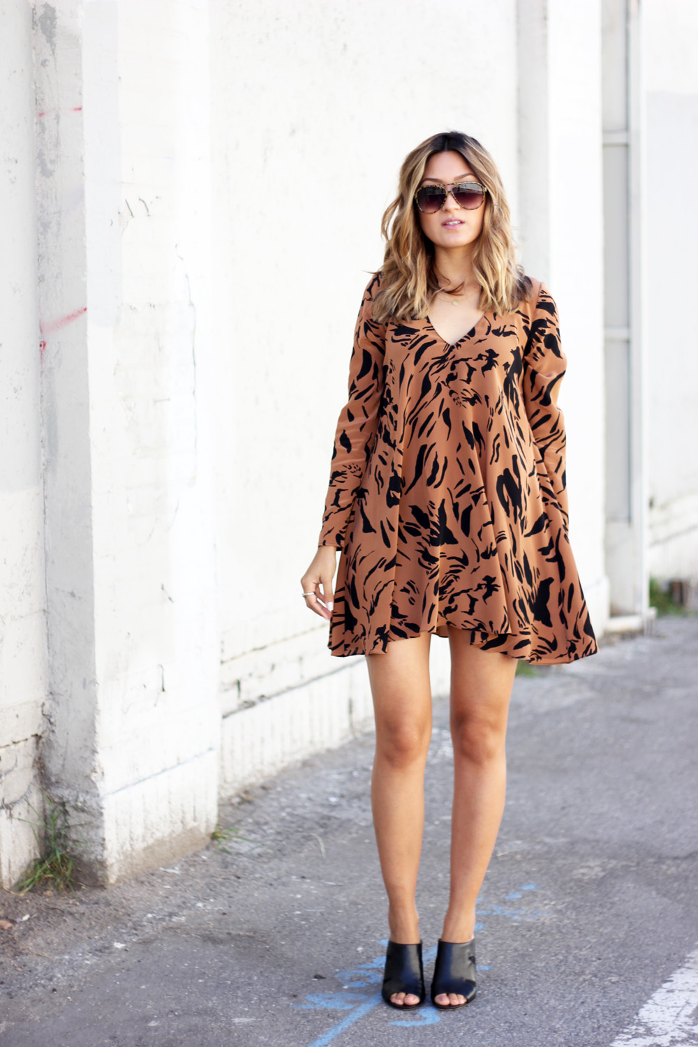 rory beca, tiger print dress, melrodstyle, la blogger, bloggers, latina blogger, mexican blogger, who what wear, refinery 29, stylelist, ootd, outfit, trending, fall, mules, circus by sam edelman