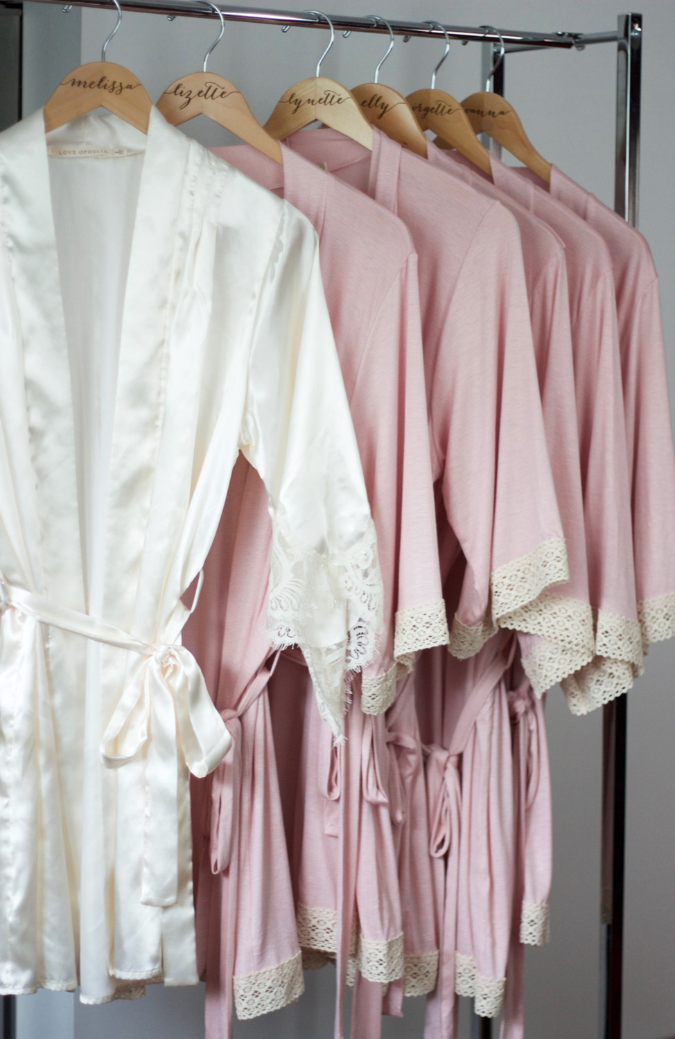melrodstyle, wedding, bridesmaids, gifts, bride robes, wedding hangers, bridesmaids clutch, bride, brides, trending, the knot, smh wedding, love ophelia