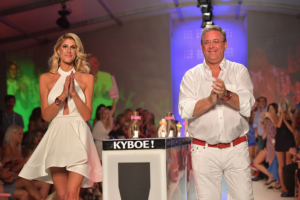 kyboe, miami swim week, miami, travel, la blogger, melrodstyle, trip, vacation, beach, south beach, florida, miami beach, show, runway show