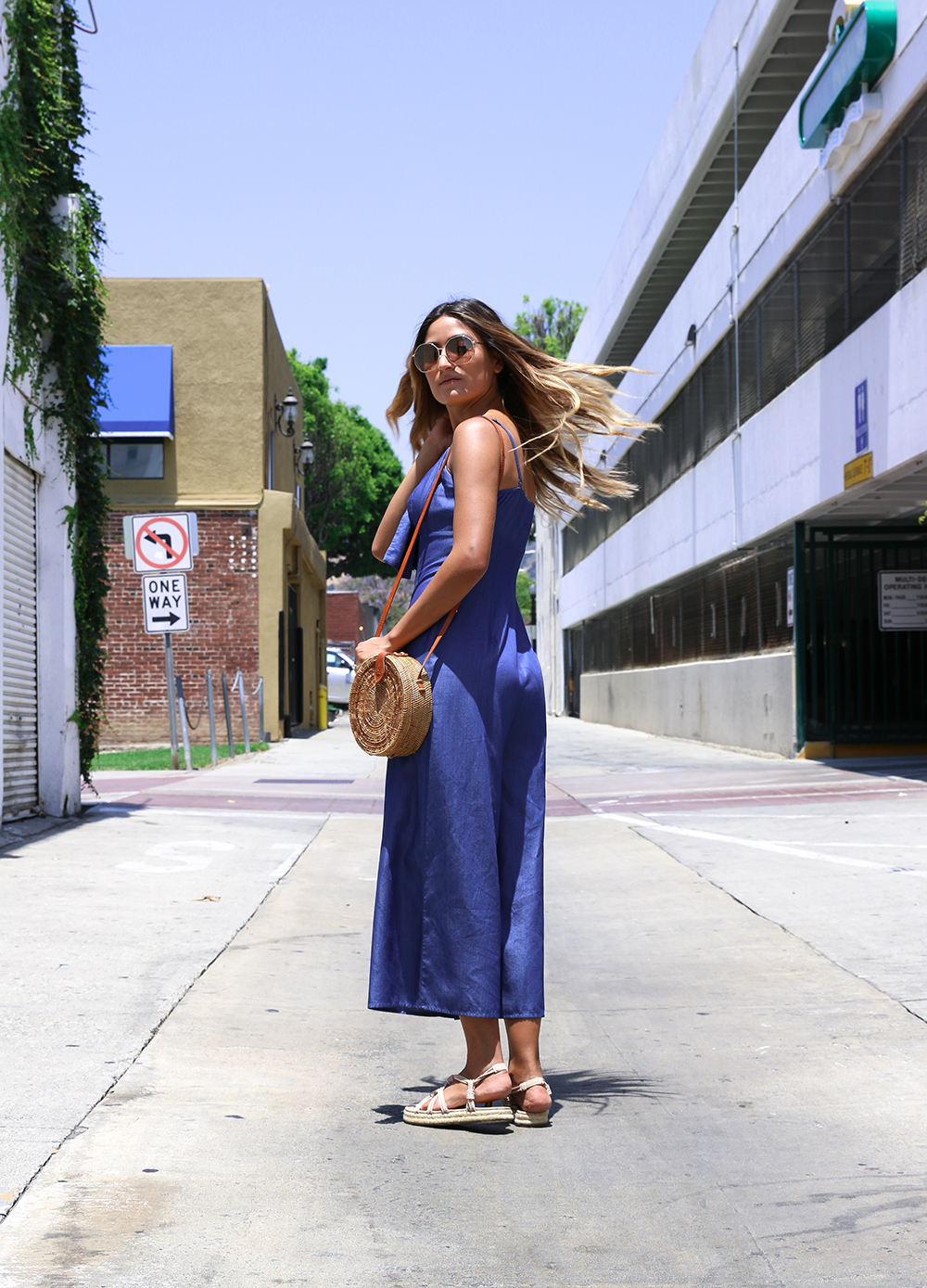 My Thoughts on Loop Giveaways, Loop Giveaways, Blogger giveaways, free, giveaways, bloggers, ootd, melrodstyle, chambray jumpsuit, posh square, whittier, la blogger, street style, instagram, social media, instagram giveaways, trending