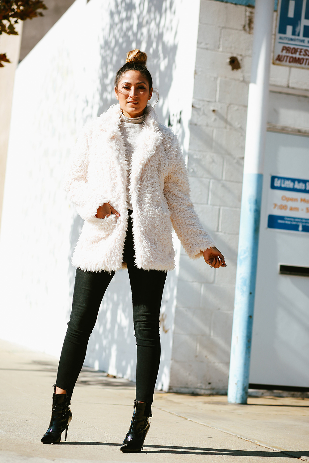 Cyber Monday Sales, sales, cyber monday, deals, discounts, thanksgiving sales, monday sales, black friday sales, melrodstyle, ootd, streetstyle, kendall and kylie faux fur coat, lucky brand jeans, latina blogger, hispanic blogger, mexican blogger, la blogger, whittier blogger,